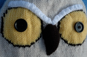Knitted Owl hat with big yellow eyes, knitting pattern, knits r us